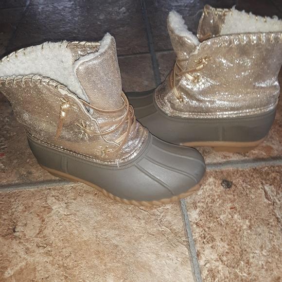 Olivia Miller Shoes | Girls Size 2 Gold